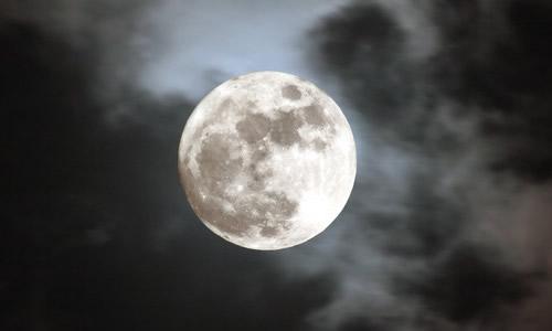关于月亮的作文50字