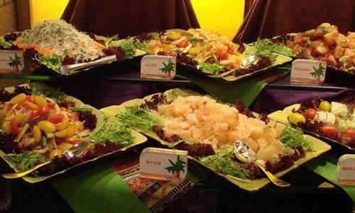 学校的美食节广场400字宝龙美食街作文洛龙区图片
