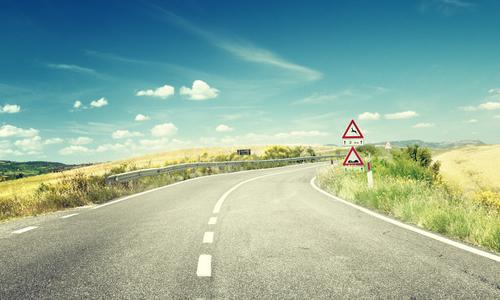 回望来时路作文_梦里走了许多路作文