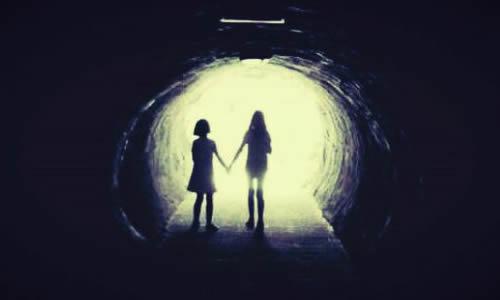 同学们,你们知道从黑暗走向光明是什么意思吗?图片