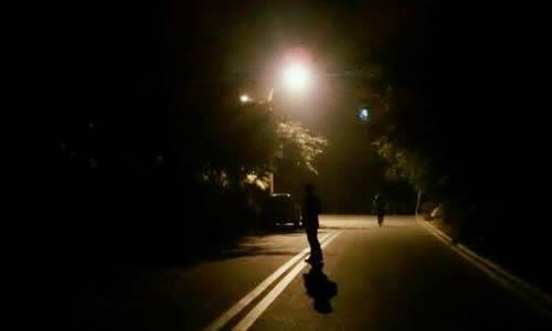 人教版六年級下冊語文第一單元作文:第一次走夜路