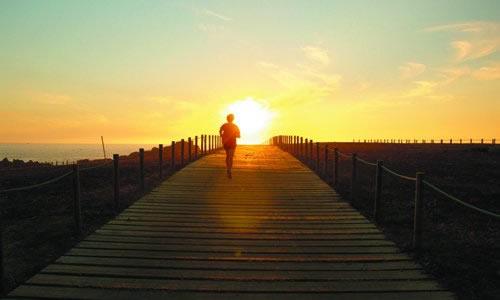 奔跑在梦想的路上作文图片