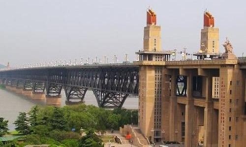 南京长江大桥作文400字