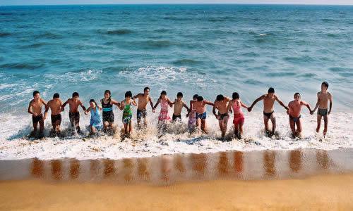 贝壳沙滩涠洲岛图片去游泳