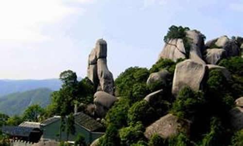 描写龙潭寺风景的作文
