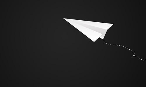 但是我放飞的纸飞机却有别样的意义,它承载了我的梦想,将它带向远方.