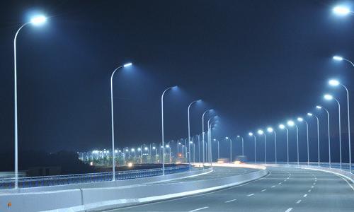夜晚路灯暖的说说-冬天的路灯说说-路灯说说经典-城市